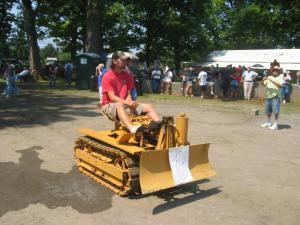 Agricat mini-dozer, Berryville, VA Show