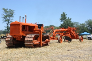 Allis-Chalmers Model L with A-C pull grader