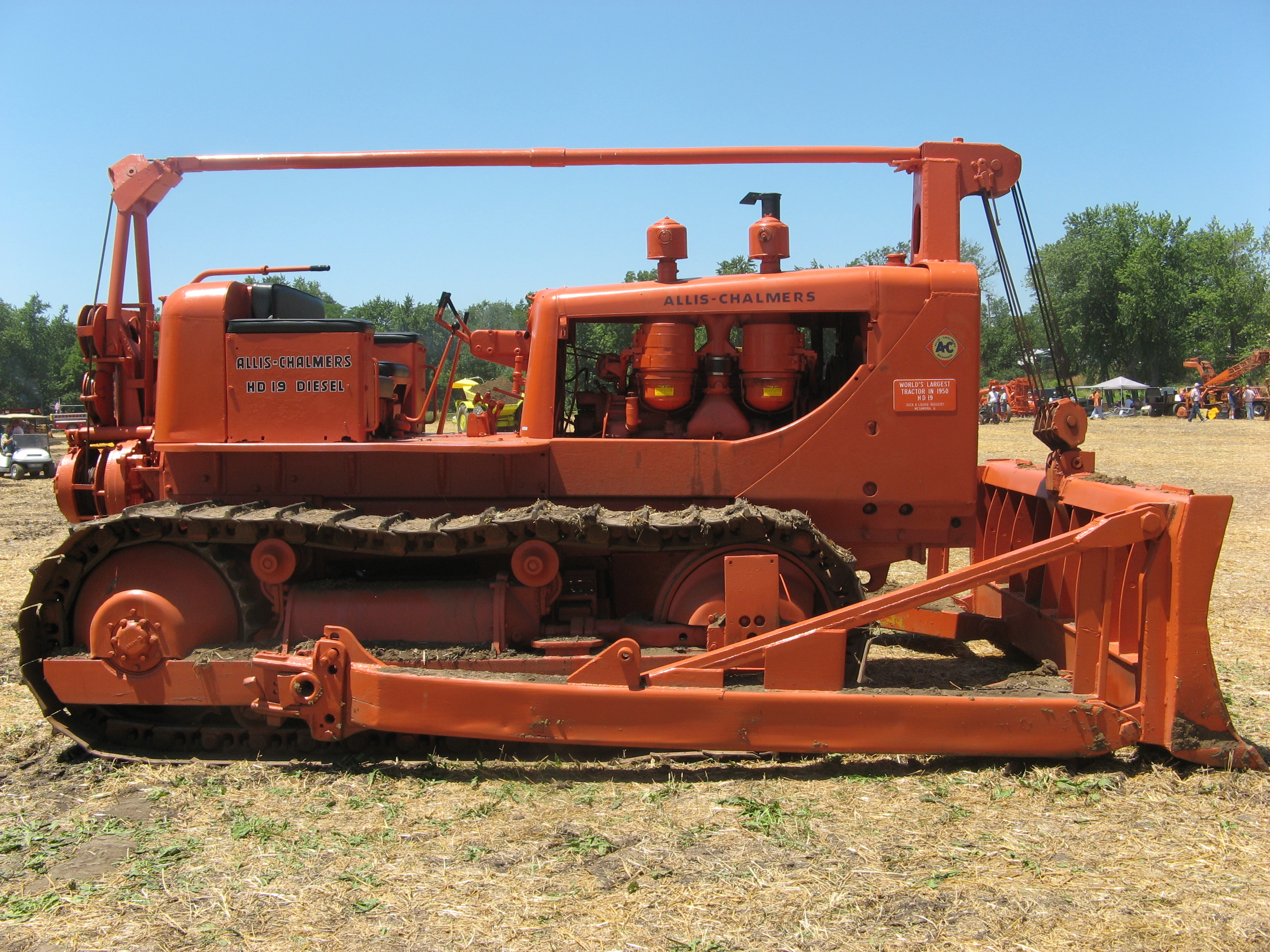 Allis-Chalmers Baker-cable-blade-on-allis-chalmers-hd-19-dozer-1950