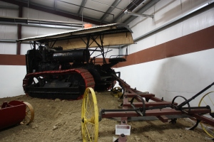 Best Thirty 3-speed tractor (1924), Heidrick Ag Musuem, Woodland, CA 2014 027