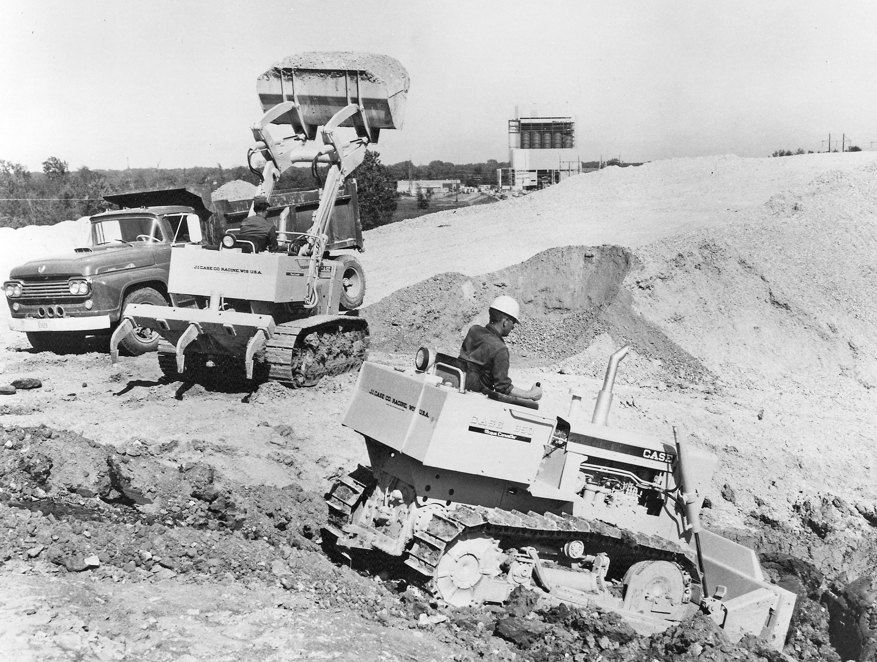 Case Model 850 dozer and front loader, Pit & Quarry