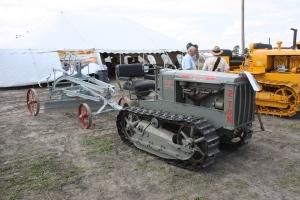 Caterpillar 2-Ton tractor (1927)