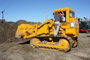 Caterpillar 955H track loader, HCEA Show, 2012