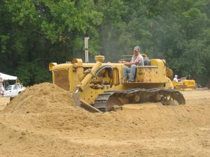 Caterpillar D-6B dozer (1962)