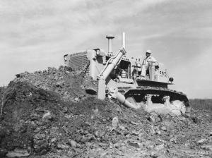 Caterpillar D-7E dozer, 1962, Pit & Quarry