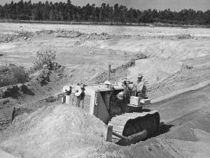 Caterpillar D-8 (2U) dozer,1953, Pit & Quarry
