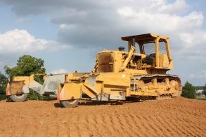 Caterpillar D-8H dozer with Jersey gravel spreader, Gainesville, VA