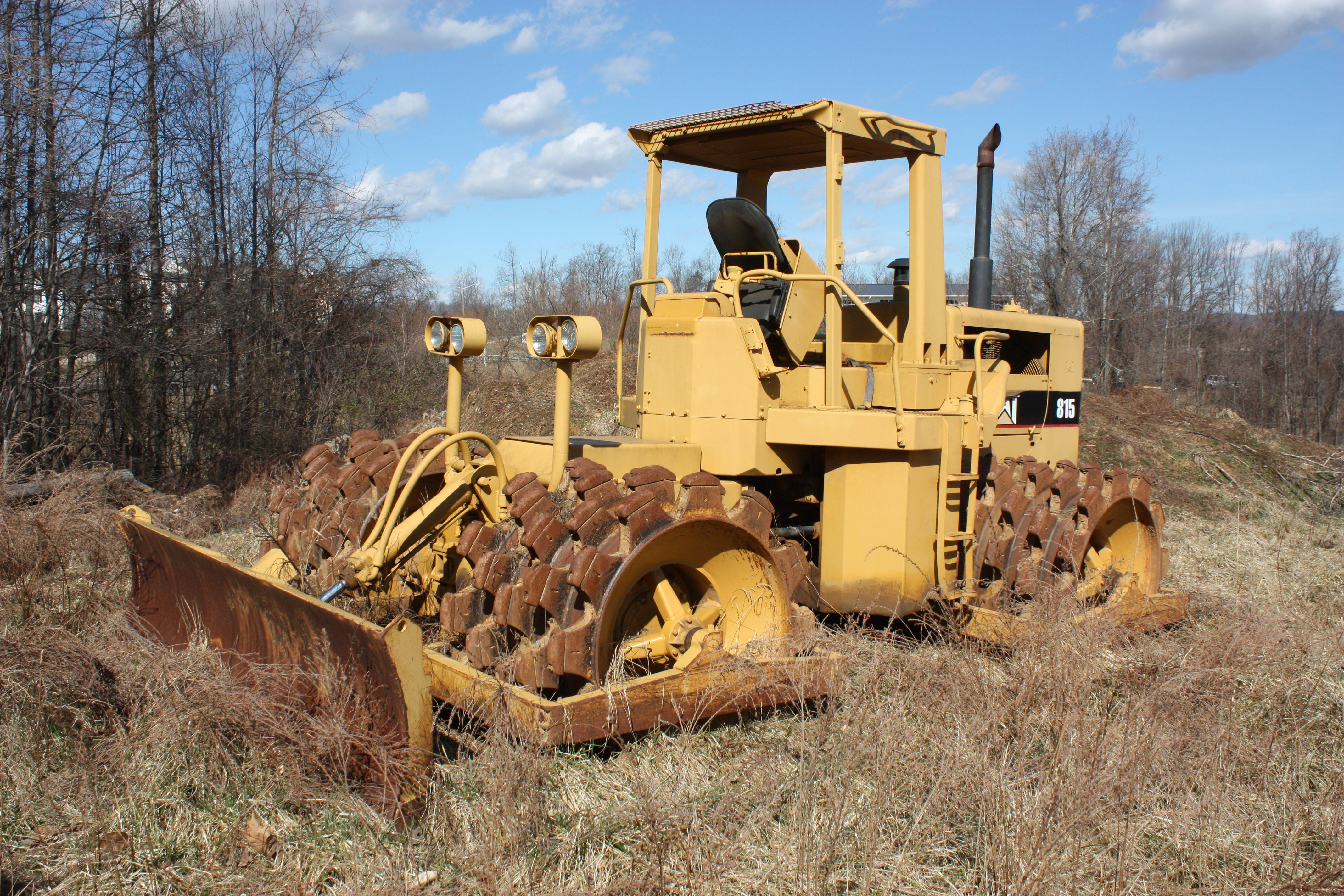bulldozer caricatore cingolato combinazione Caterpillar-model-815-dozer-compactor-warrenton-va