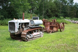 Caterpillar Thirty tractor (1929) & Baker-Maney scraper