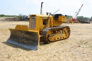 Cockshutt OC-4 dozer (1964), HCEA Show, Penfield, IL July 2011-II 106