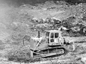 Fiat-Allis Model FD-30 dozer, Pit & Quarry