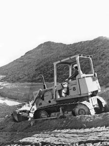 Fiat-Allis Model HD-8 dozer, Pit & Quarry