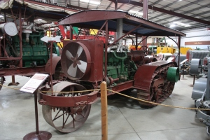 Holt Model 30 Front-wheel tractor(1914), Heidrick Ag Musuem, Woodland, CA 2014 040