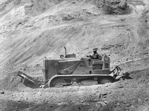 International Harvester TD-15 with Drott Skid-Shovel and ripper