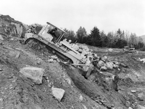 International Harvester TD-24 (Series 241) dozer, Pit & Quarry (1960)