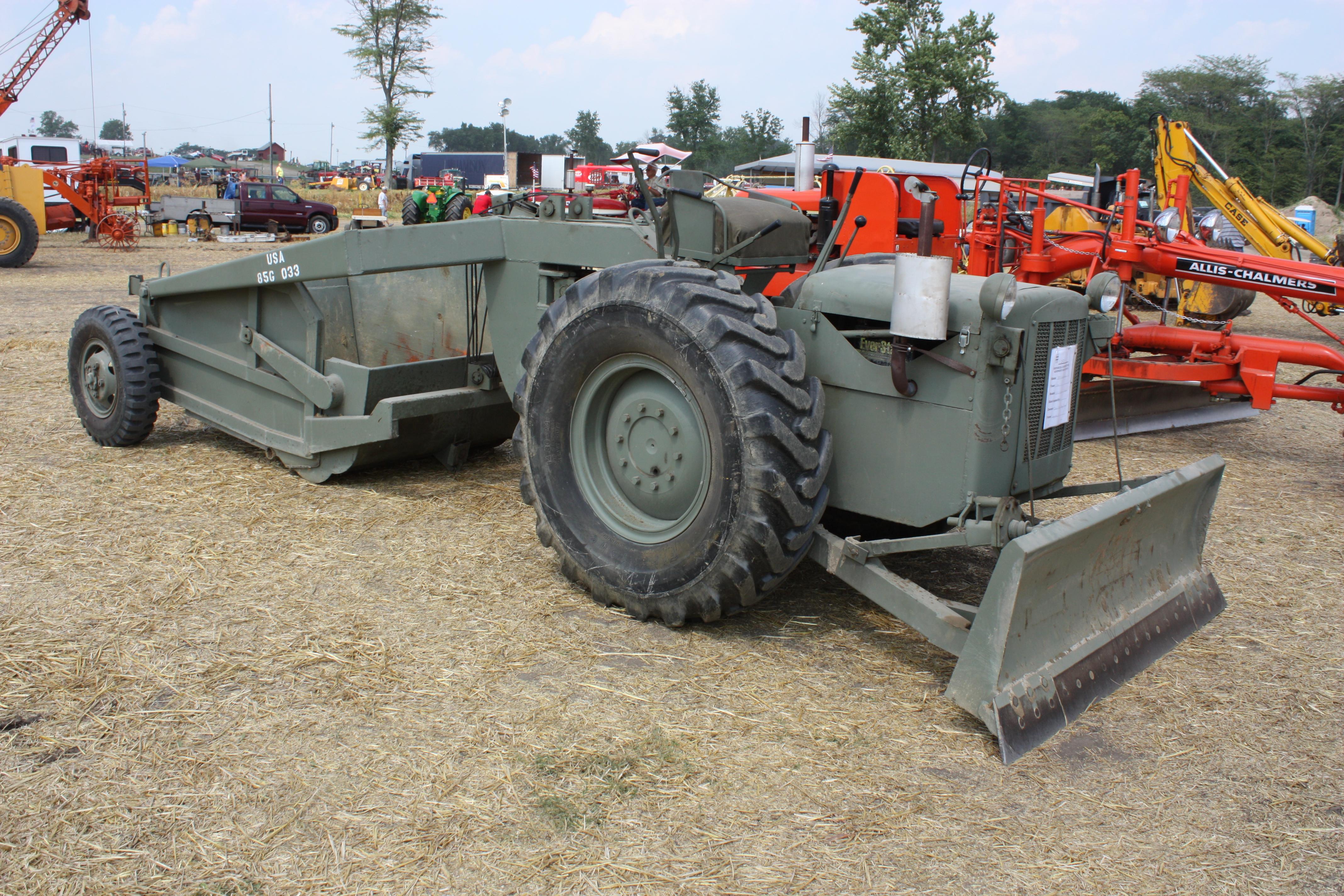bulldozer caricatore cingolato combinazione Letourneau-model-d4-airborne-dozer-scraper-1944-hcea-show-penfield-il