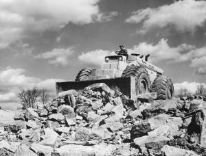 Michigan Model 480 wheel dozer on the Western Kentucky Turnpike, Pit & Quarry