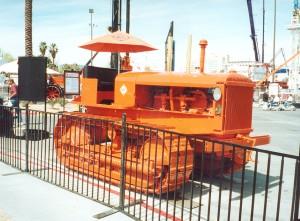 Model L tractor (1935), ConExpo, 2002 Scan0254