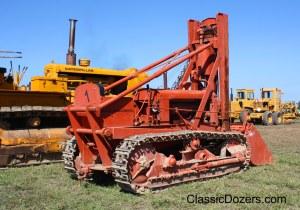 Model M with Hough loader (1942), HCEA Show September 2009 003edit_edited-1