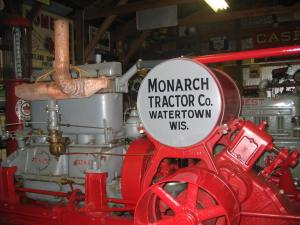Monarch 18-30N Neverslip tractor (1916)