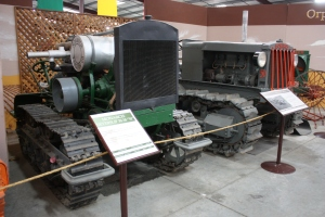 Monarch Neverslip Model 18-30N tractor, (1918), Heidrick Ag Musuem, Woodland, CA 2014 010