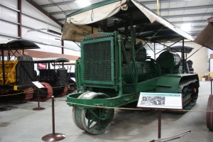 Holt 120-HP tractor (1917), used in World War I, Heidrick Ag Musuem, Woodland, CA 2014 043